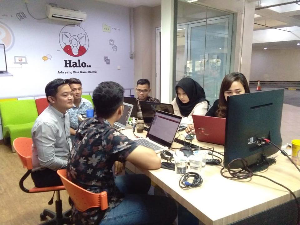 Training Accurate Online Store Taman Palem 2